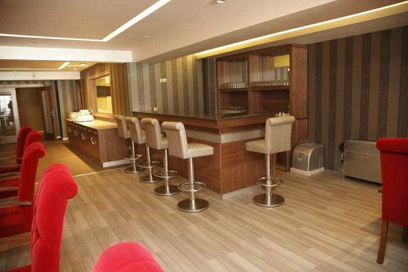 Nanda hotel cheap and budget nanda hotel hotel istanbul for Cheap hotels in istanbul laleli