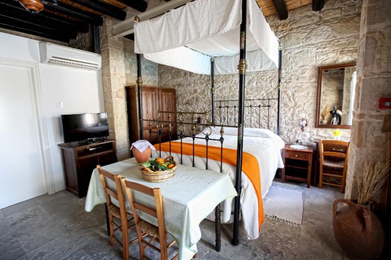 Room Leonidas Village Houses