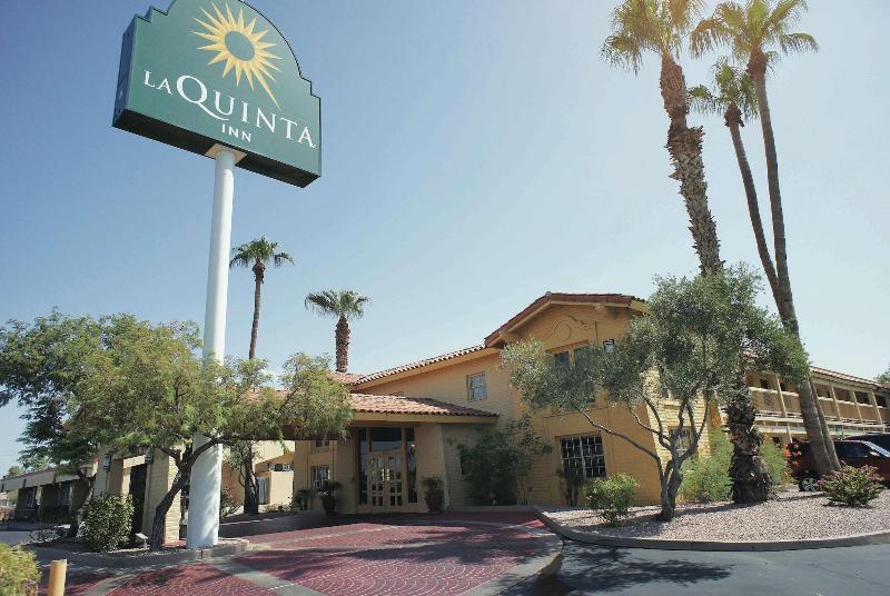 La Quinta Phoenix Thomas Road - Hotel - 2