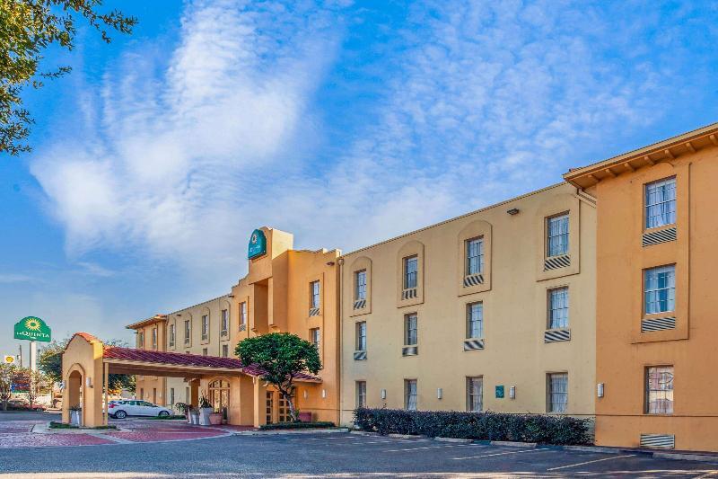 General view La Quinta Inn Houston Greenway Plaza