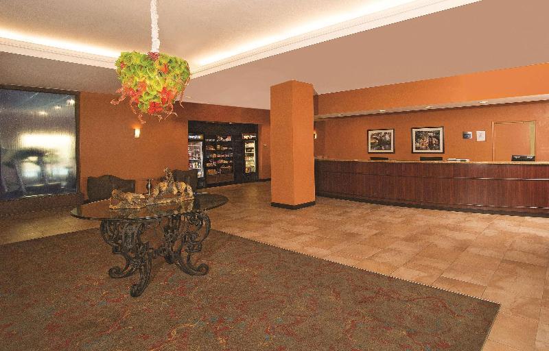 Lobby La Quinta Inn & Suites San Antonio Medical Center