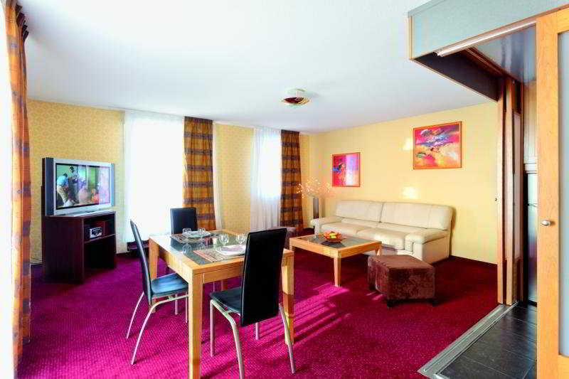 Room Park & Suites Elegance Grenoble
