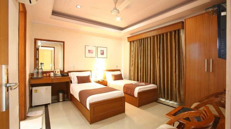 Room Emblem Hotel Gurgaon