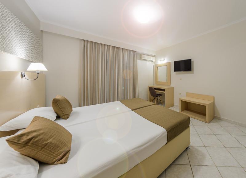 Crystal Palace Resort & Spa - Room - 2