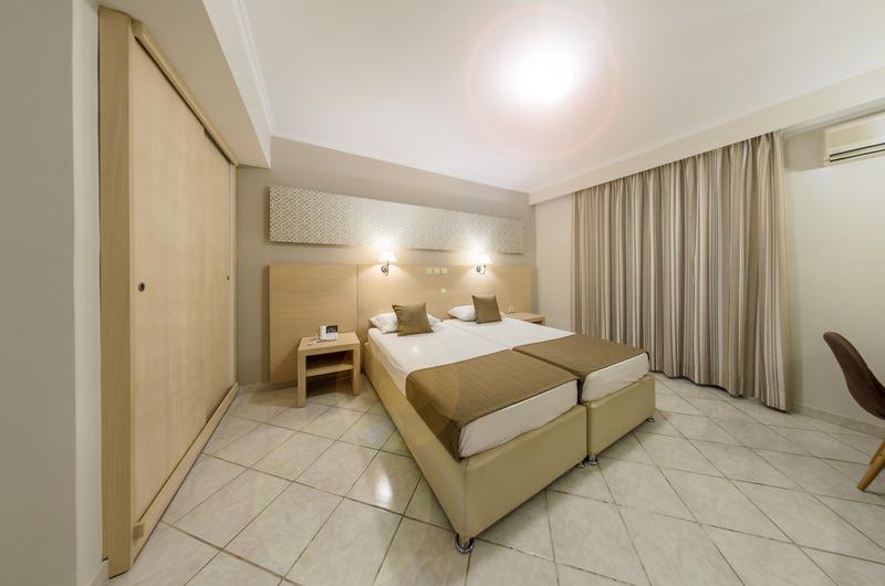 Crystal Palace Resort & Spa - Room - 8