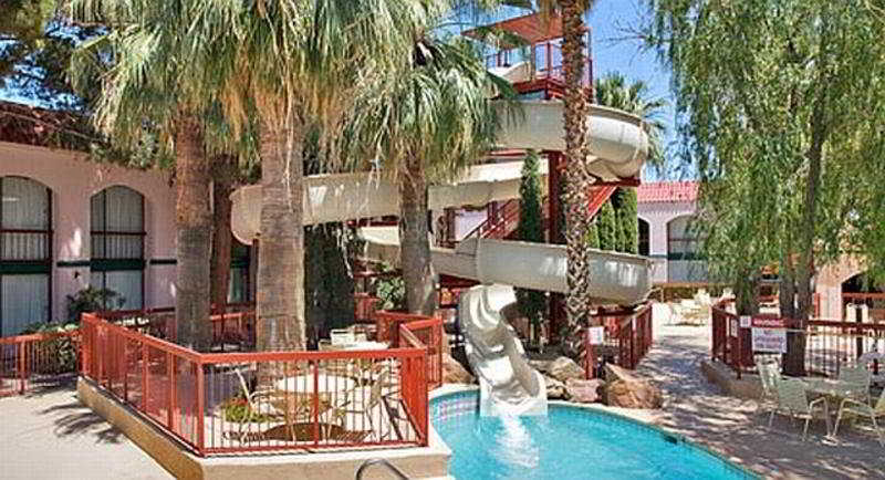 Pool Wyndham El Paso Airport And Water Park