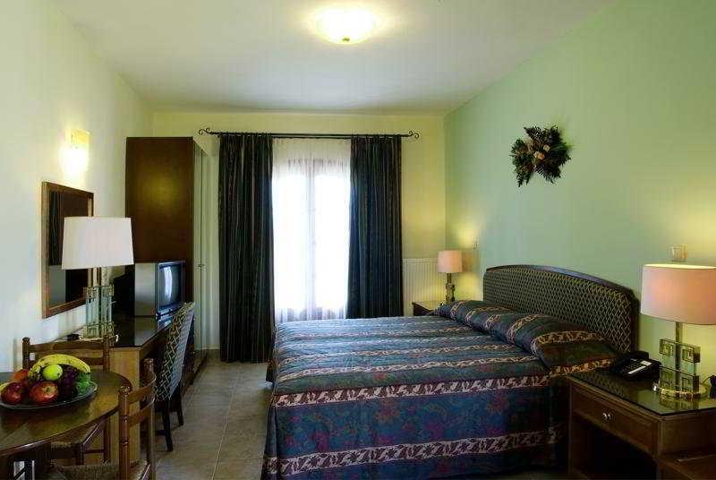 Room Corfu Club