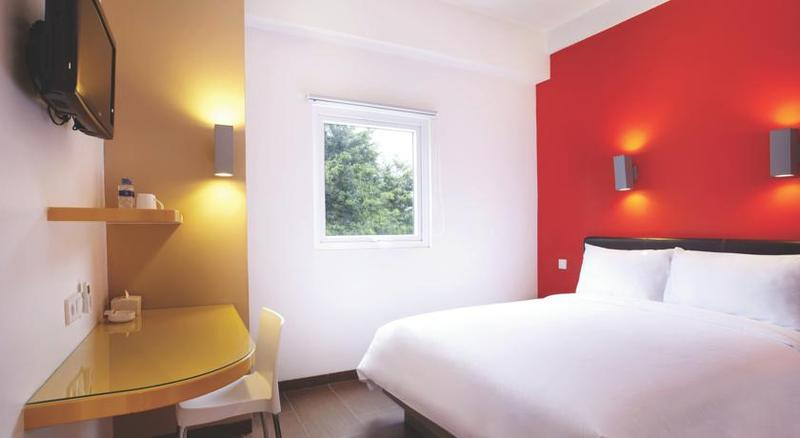 Room Amaris Cihampelas