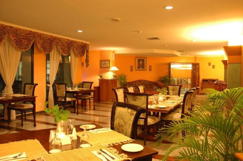 Puri Darmo - Restaurant - 2