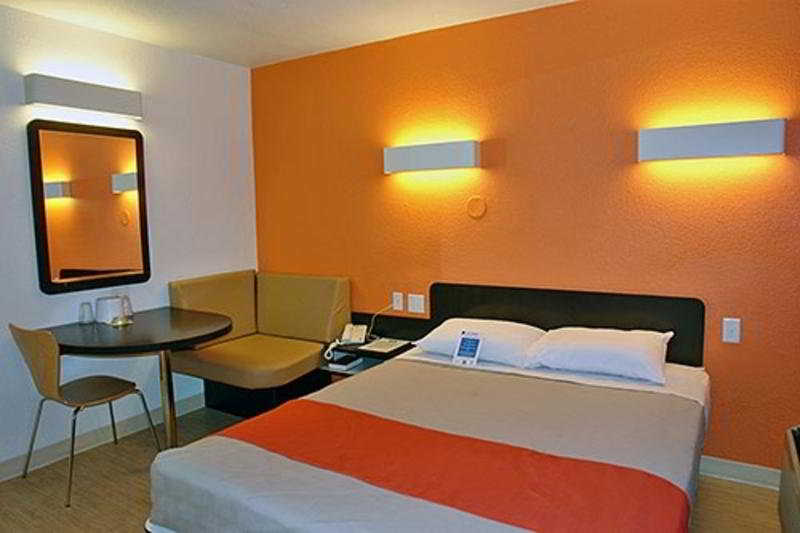 Room Motel 6 Boston Braintree