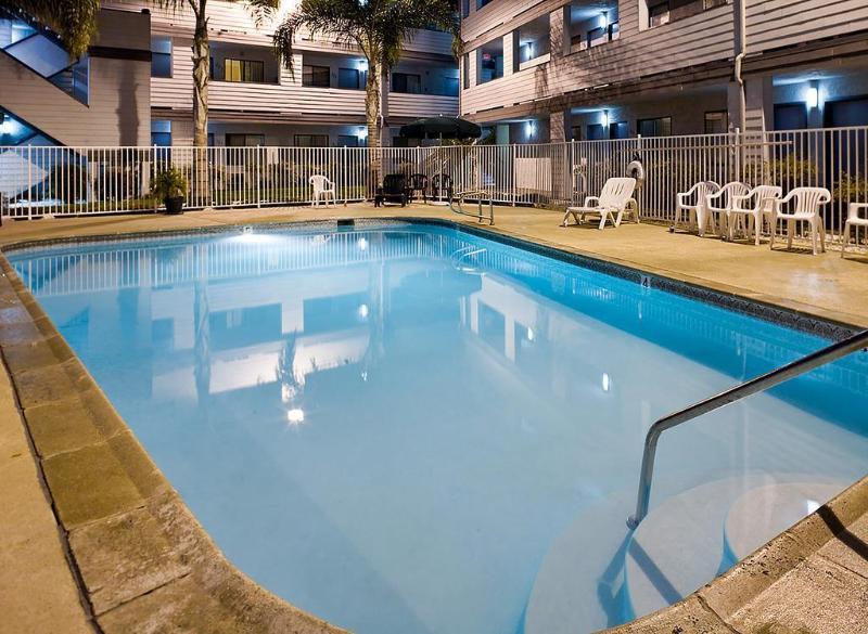 Heritage Inn San Diego - Pool - 10