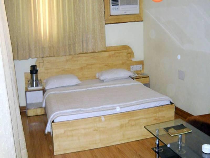 Host Inn Hotel - Room - 5