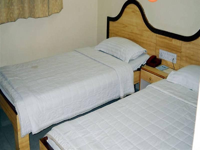 Room Host Inn Hotel Ahmedabad
