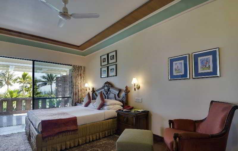 Room Mayfair Beach Resort