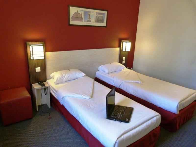 Room Balladins Charleroi
