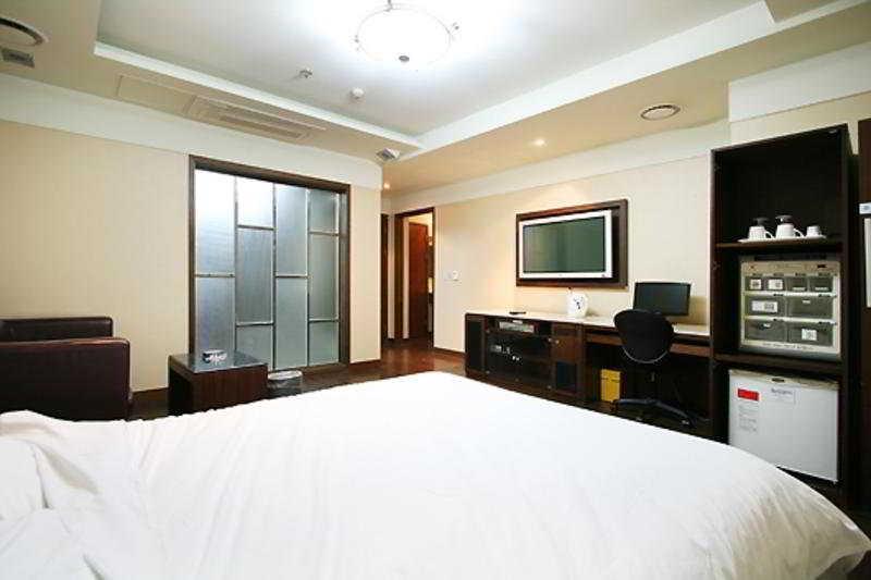 Room Benikea Suwon Hotel