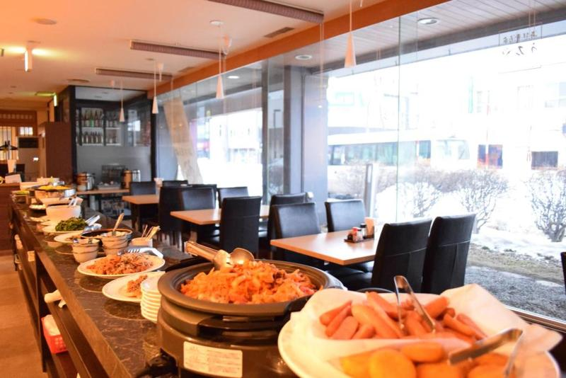 Coms New Chitose Airport Hotel - Restaurant - 10