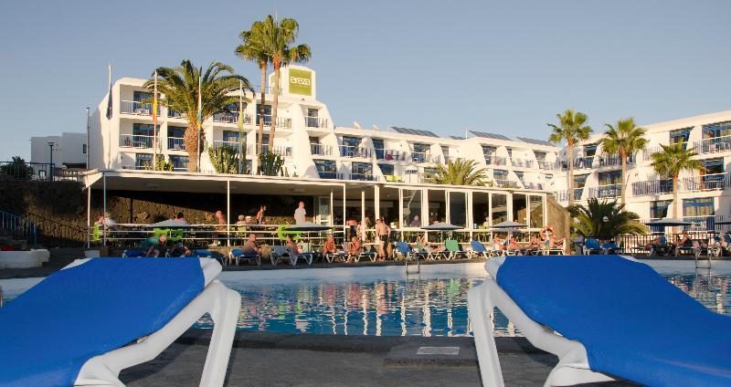 Cheap holidays to ereza apartamentos los hibiscos puerto del carmen - Cheap hotels lanzarote puerto del carmen ...