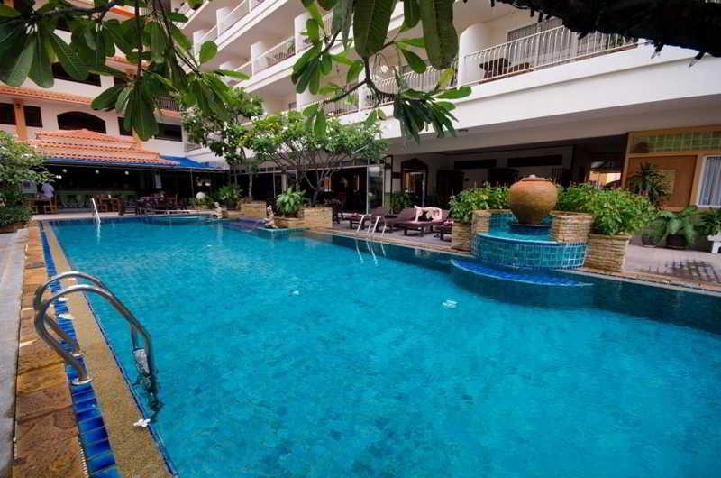 Sabai Wing - Pool - 2