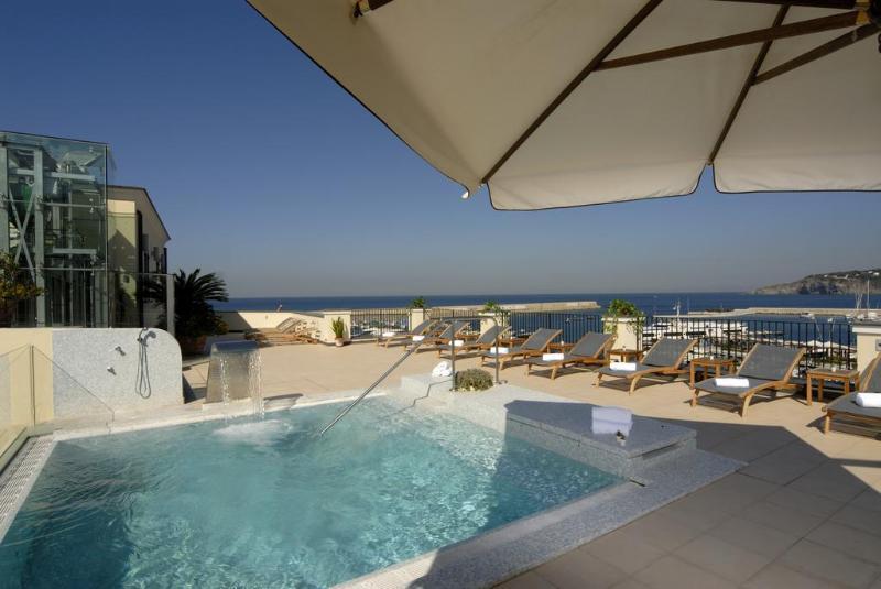 Pool Villa Carolina