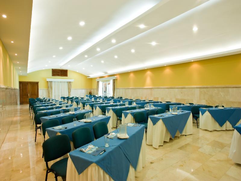 Conferences Dann Cartagena