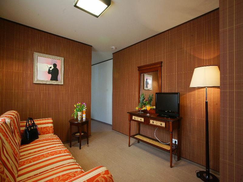 Room Levoslav House Villa