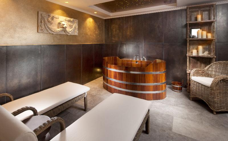Sports and Entertainment Clarion Grandhotel Zlaty Lev