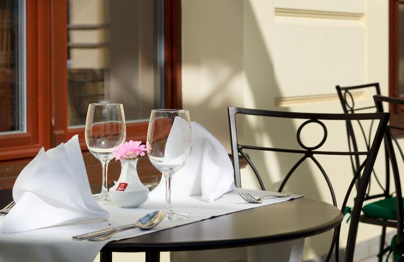 Terrace Clarion Grandhotel Zlaty Lev