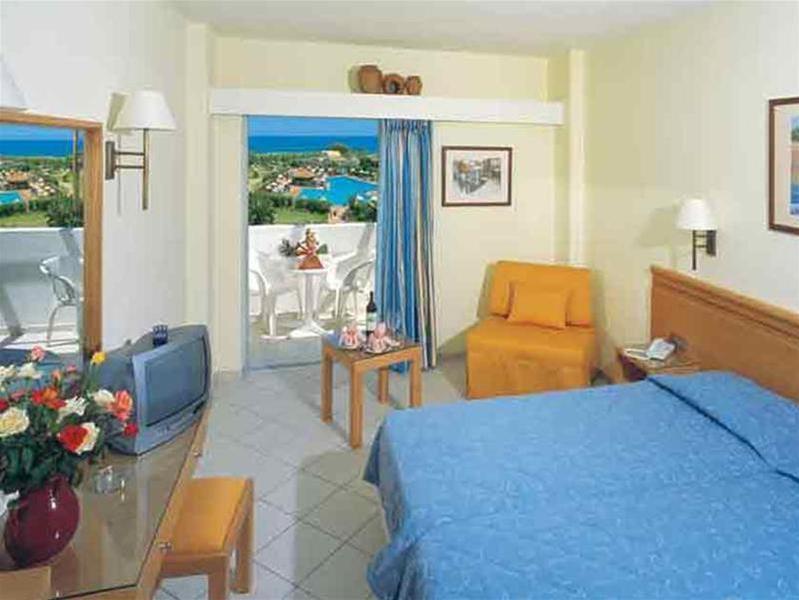 Anissa Beach - Room - 7