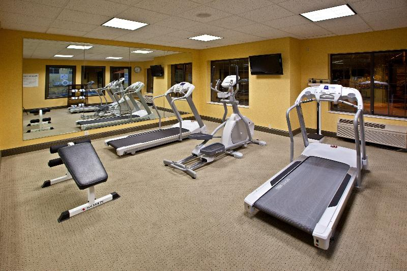 Holiday Inn and Suites Express Indianapolis East - Sport - 7