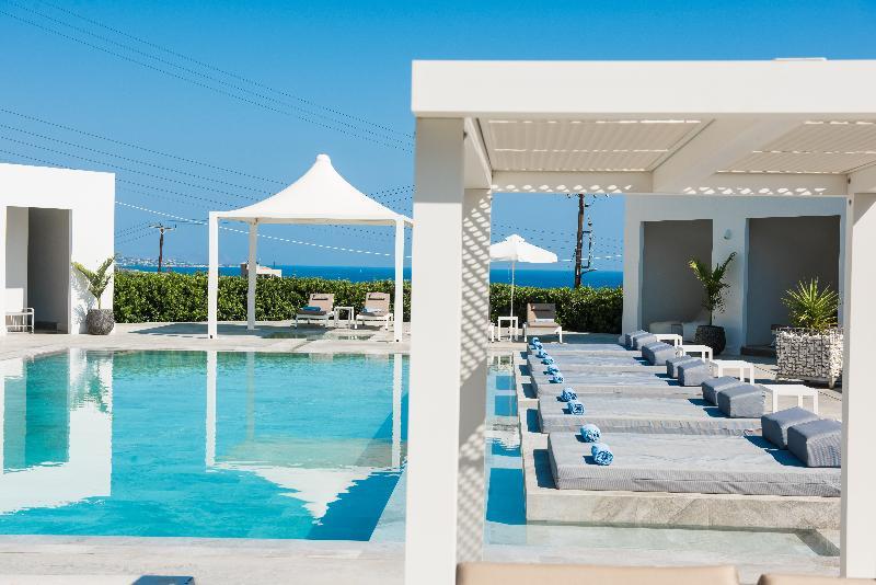 Pool Matheo Villas & Suites