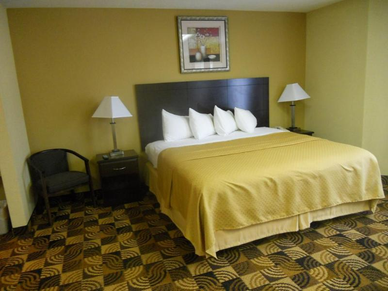 General view Quality Inn Brunswick Cleveland South