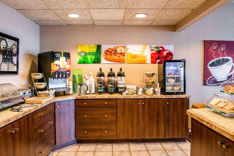 Quality Inn Pittsburgh Airport - Restaurant - 12
