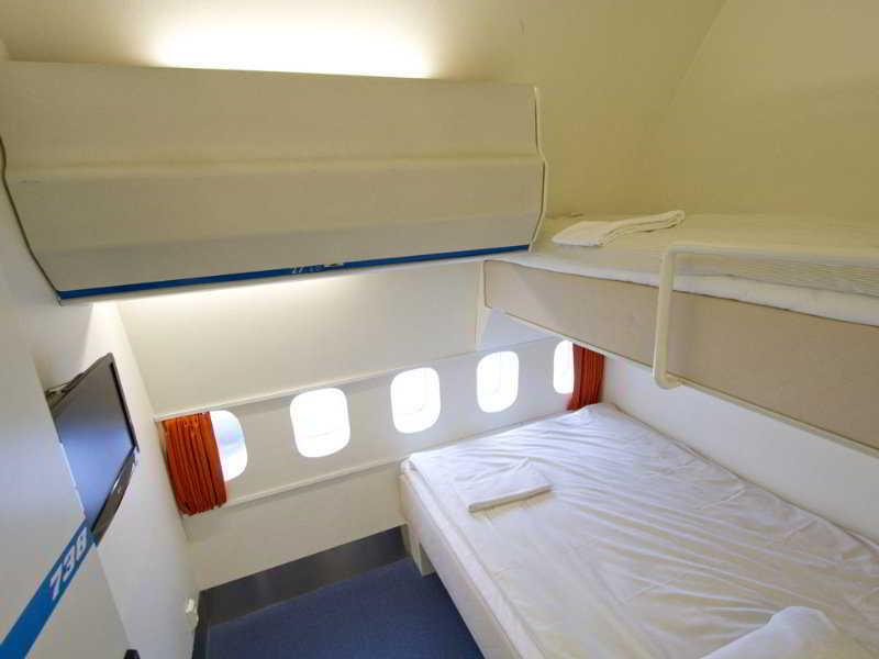 Room Jumbo Stay (airplane Hotel)
