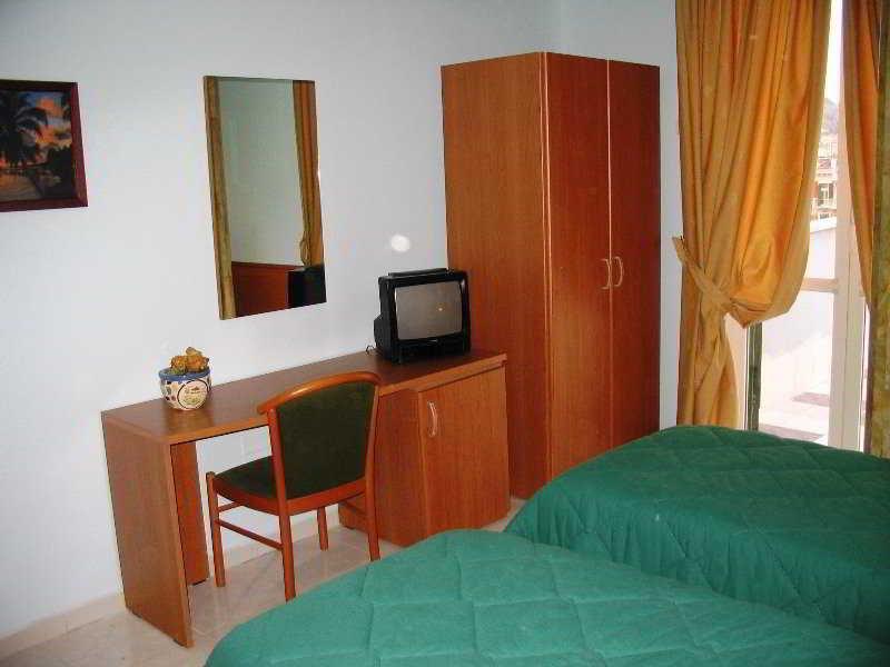 Room Garden Hotel
