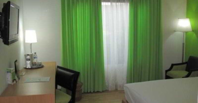 Room Kartika Graha