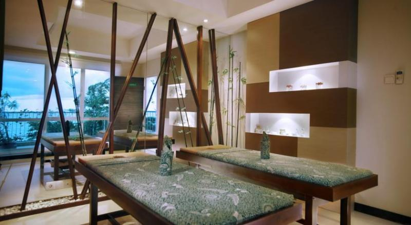 Restaurant Aston Balikpapan Hotel & Residence