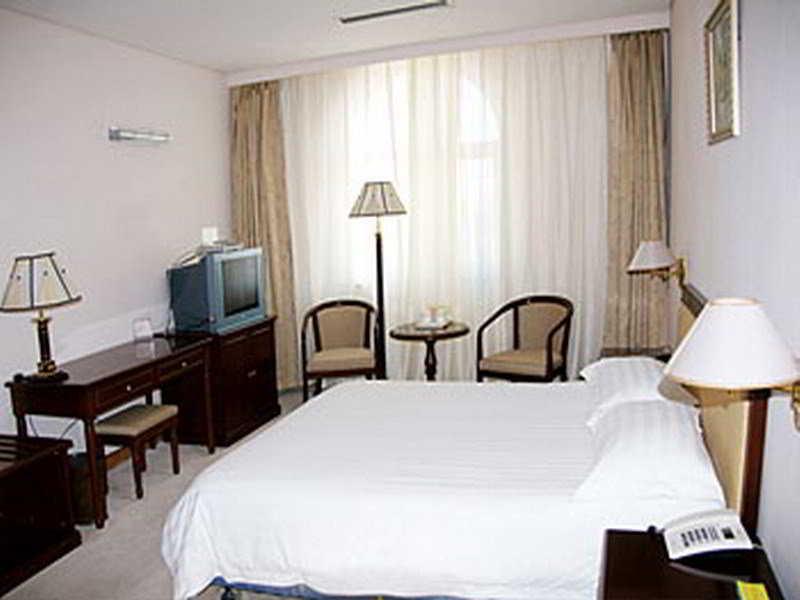 Room Jing Lin