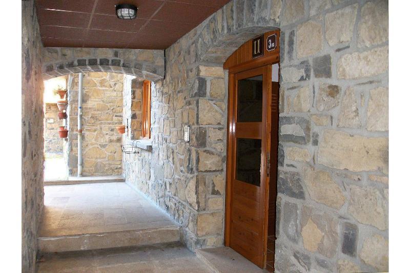 Lobby Apartamentos Sallent-escarrilla 3000