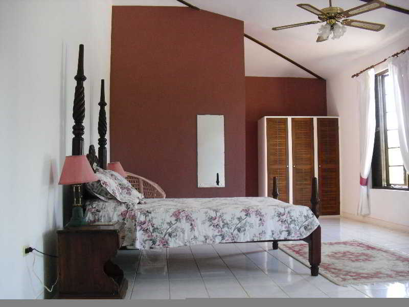 Room Tamarind Great House