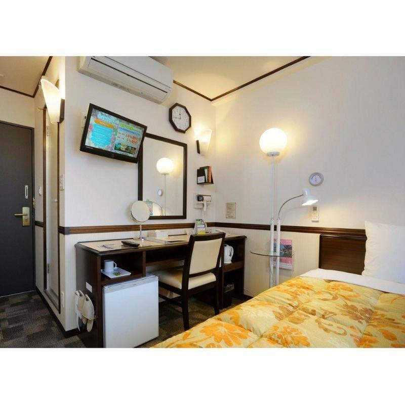 Toyoko Inn Kawasaki Ekimae Isago - Hotel - 1