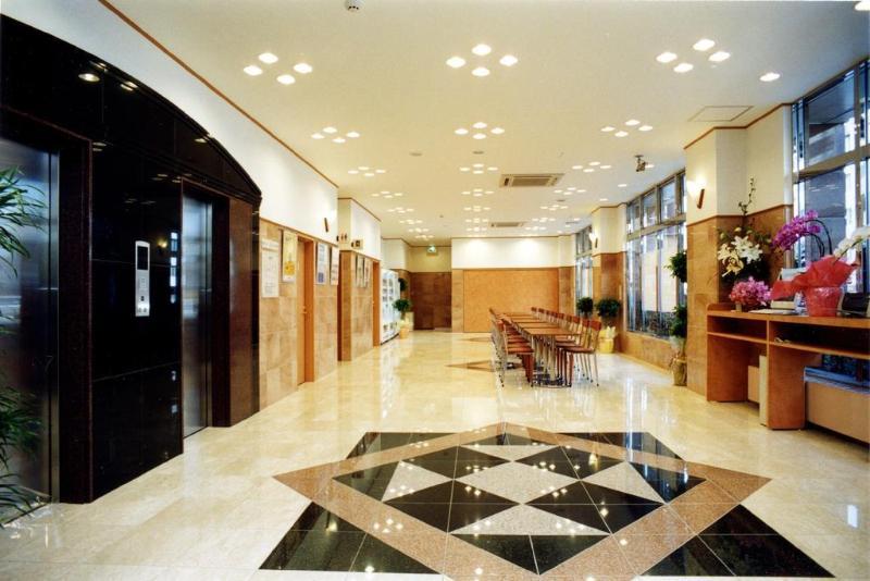 Toyoko Inn Matsuyama Ichiban-cho - Hotel - 0