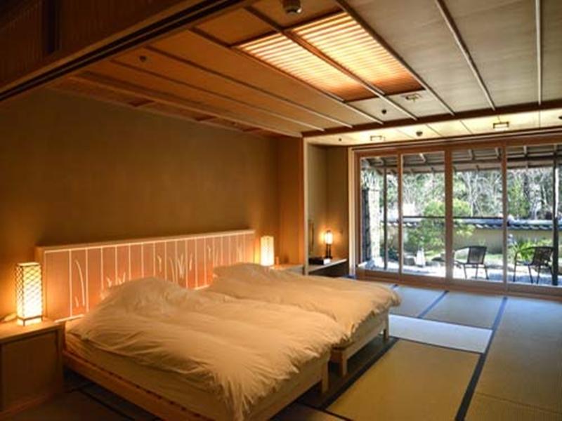 Room Gora Kadan