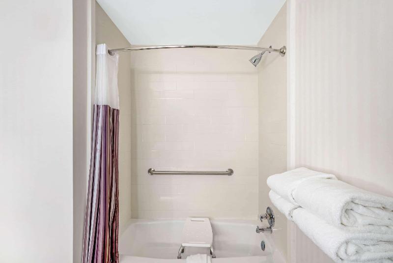 Holiday Inn Columbus - Room - 1