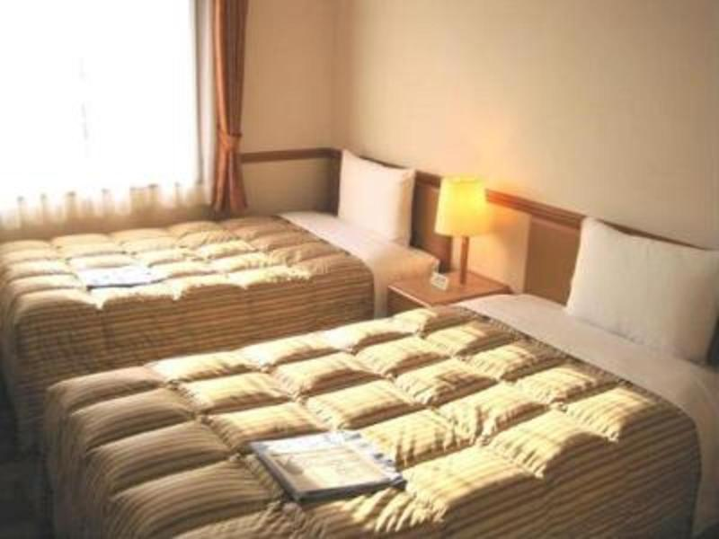 Toyoko Inn Yonezawa Ekimae - Room - 1