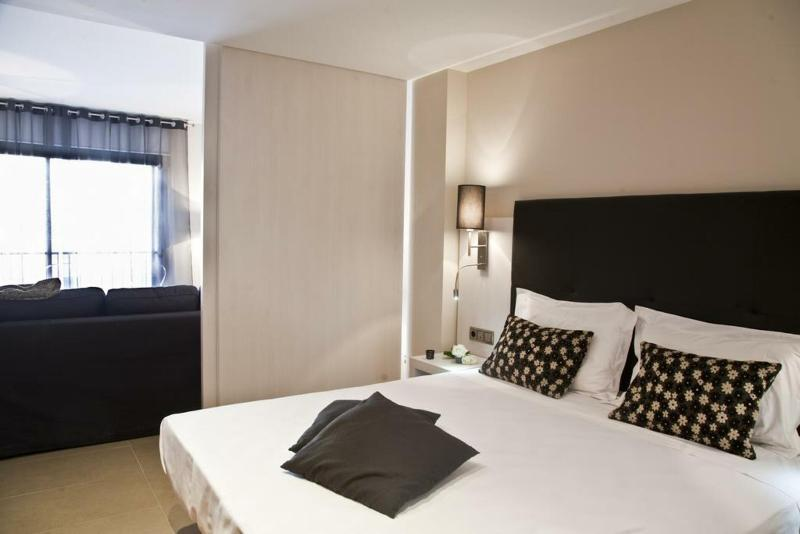 Up Suites Barcelona - Room - 7