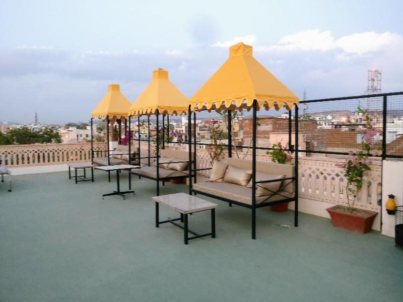 Terrace Suryaa Villa (a Classic Heritage Hotel)
