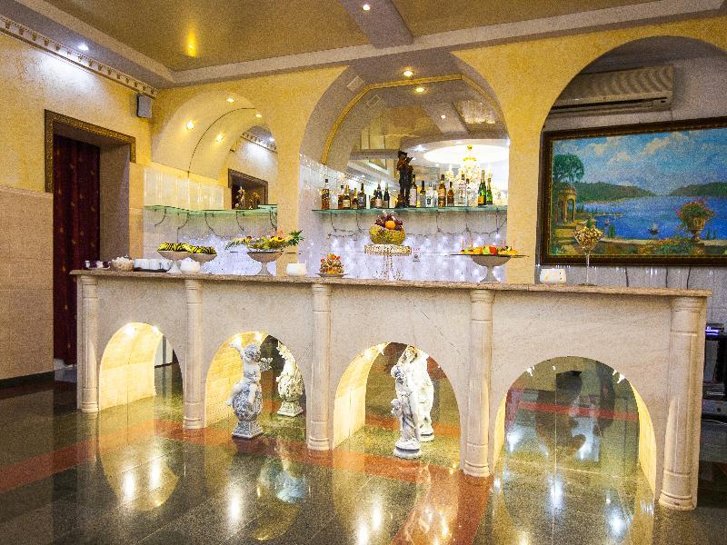 Lobby Grand Hotel Uyut