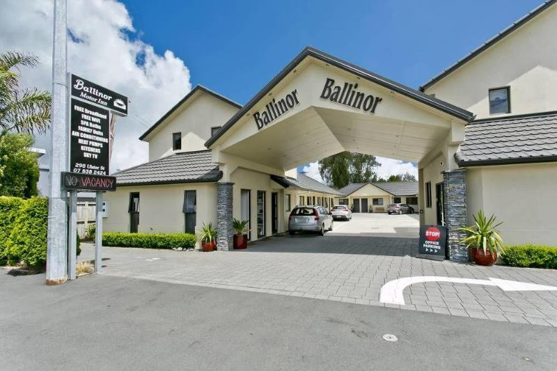 General view Ballinor Motor Inn