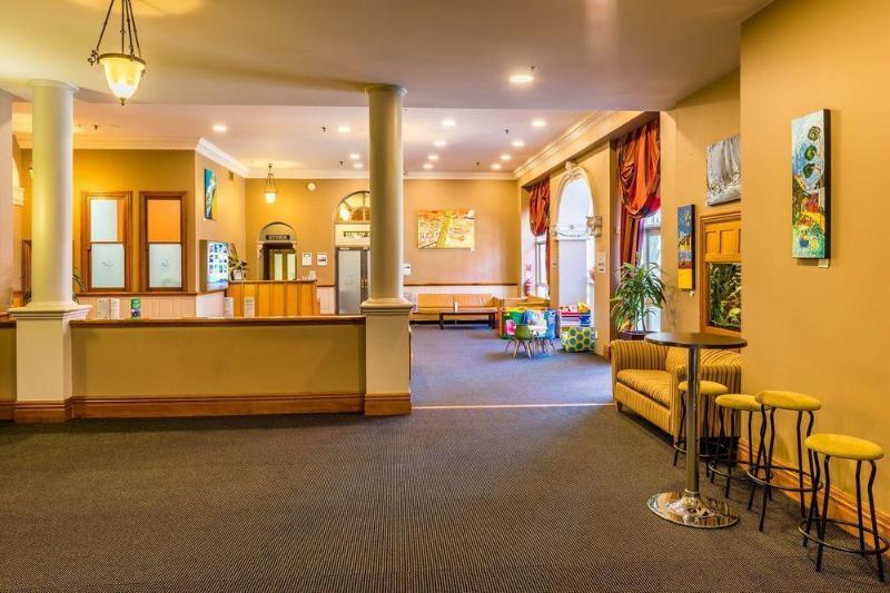 Comfort Hotel Wellington - Hotel - 1